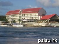 帛琉月伴灣飯店