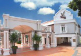 Village Hotel Albert Court